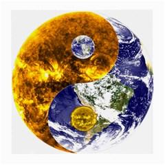 Design Yin Yang Balance Sun Earth Medium Glasses Cloth (2 Side)
