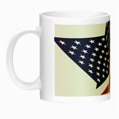 A Star With An American Flag Pattern Night Luminous Mugs