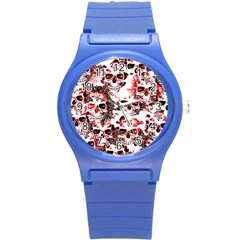 Cloudy Skulls White Red Round Plastic Sport Watch (S)