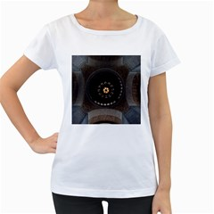 Pattern Design Symmetry Up Ceiling Women s Loose-Fit T-Shirt (White)