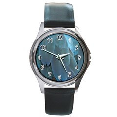Feather Plumage Blue Parrot Round Metal Watch