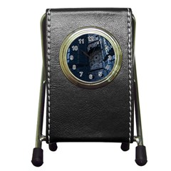 Graphic Design Background Pen Holder Desk Clocks