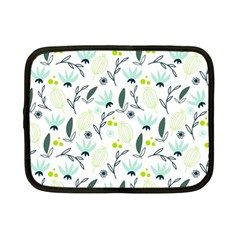 Hand drawm seamless floral pattern Netbook Case (Small)