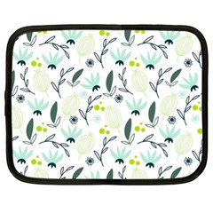 Hand drawm seamless floral pattern Netbook Case (XL)