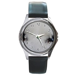 Akita Inu White Eyes Round Metal Watch