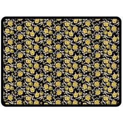 Roses pattern Fleece Blanket (Large)