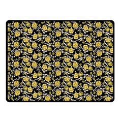 Roses pattern Fleece Blanket (Small)