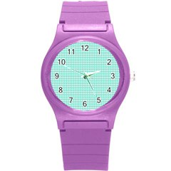 Solid White Hearts on Pale Tiffany Aqua Blue Round Plastic Sport Watch (S)