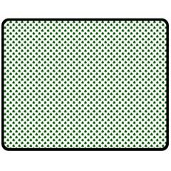 Shamrock 2-Tone Green on White St.Patrick?¯s Day Clover Fleece Blanket (Medium)