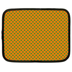 Heart-Shaped Shamrock Green on Orange St.Patrick?¯s Day Clover Netbook Case (XXL)