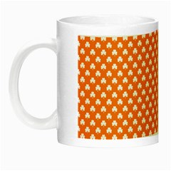 White Heart-Shaped Clover on Orange St. Patrick s Day Night Luminous Mugs