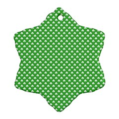 White Heart-Shaped Clover on Green St. Patrick s Day Snowflake Ornament (Two Sides)
