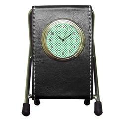 Green Shamrock Clover on White St. Patrick s Day Pen Holder Desk Clocks