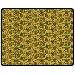 Roses Pattern Fleece Blanket (medium)