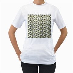 Roses Pattern Women s T Shirt (white)