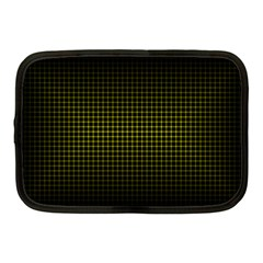 Optical Illusion Grid in Black and Yellow Netbook Case (Medium)