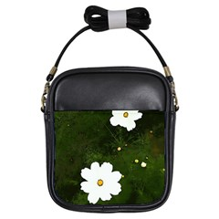 Daisies In Green Girls Sling Bags