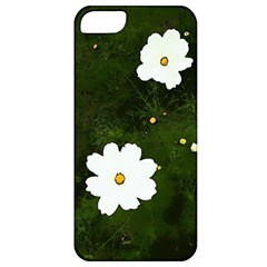 Daisies In Green Apple iPhone 5 Classic Hardshell Case