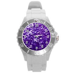 Natural Shimmering Purple Amethyst Mother of Pearl Nacre Round Plastic Sport Watch (L)