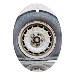 Flat Tire Vehicle Wear Street Oval Ornament (two Sides)