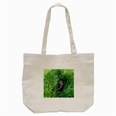 Weim In The Grass Tote Bag (Cream)