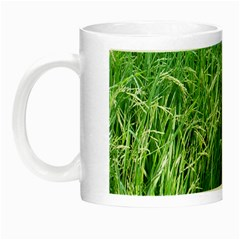 Weim In The Grass Night Luminous Mugs