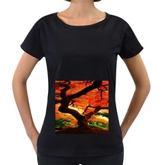 Maple Tree Nice Women s Loose-Fit T-Shirt (Black)