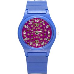 Ladybug In The Forest Of Fantasy Round Plastic Sport Watch (S)