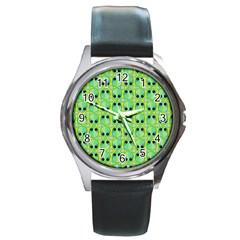 Alien Pattern Round Metal Watch