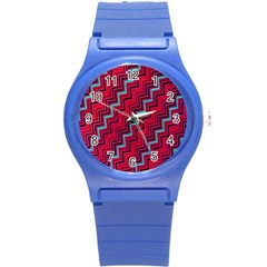 Red Turquoise Black Zig Zag Background Round Plastic Sport Watch (S)