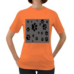 Dog Foodprint Paw Prints Seamless Background And Pattern Women s Dark T Shirt
