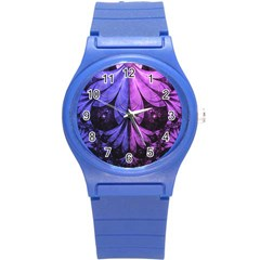 Beautiful Lilac Fractal Feathers of the Starling Round Plastic Sport Watch (S)