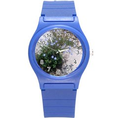 Purple Flowers On Boise River Round Plastic Sport Watch (S)