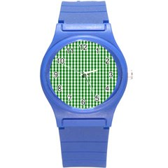 Christmas Green Velvet Large Gingham Check Plaid Pattern Round Plastic Sport Watch (S)