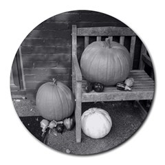 Pumpkind And Gourds Bw Round Mousepads