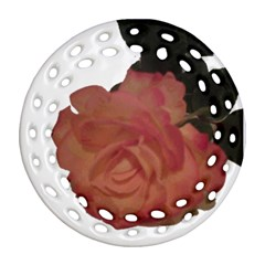 Poppys Last Rose Close Up Round Filigree Ornament (Two Sides)