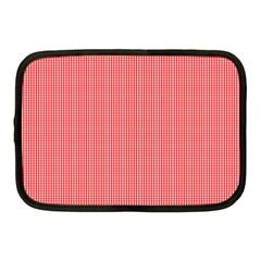 Christmas Red Velvet Mini Gingham Check Plaid Netbook Case (Medium)