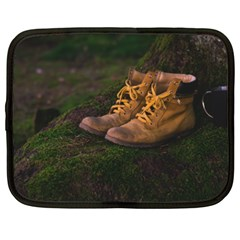 Hiking Boots Netbook Case (XXL)