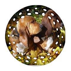 2 Bassets Ornament (Round Filigree)