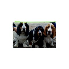 3 Basset Hound Puppies Cosmetic Bag (xs)