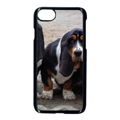 3 Basset Hound Puppies Apple iPhone 7 Seamless Case (Black)