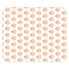 Geometric Losangle Pattern Rosy Double Sided Flano Blanket (small)