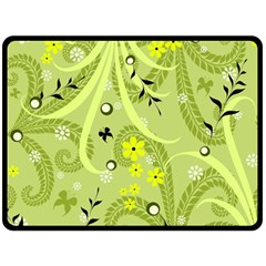 Flowers On A Green Background                           Plate Mat