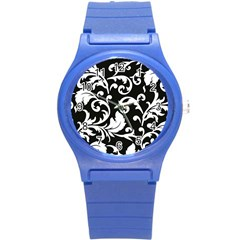 Vector Classicaltr Aditional Black And White Floral Patterns Round Plastic Sport Watch (s)