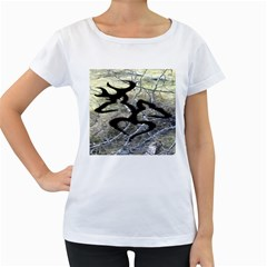 Black Love Browning Deer Camo Women s Loose Fit T Shirt (white)