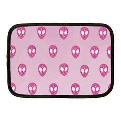 Alien Pattern Pink Netbook Case (medium)