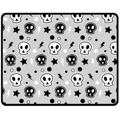 Skull Pattern Fleece Blanket (medium)