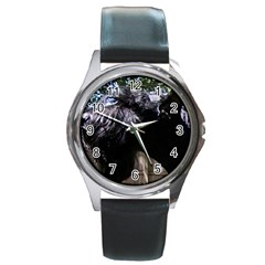 Giant Schnauzer Round Metal Watch