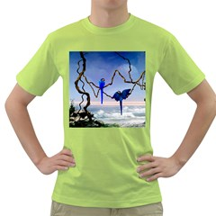 Wonderful Blue  Parrot Looking To The Ocean Green T Shirt