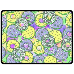 Donuts Pattern Fleece Blanket (large)